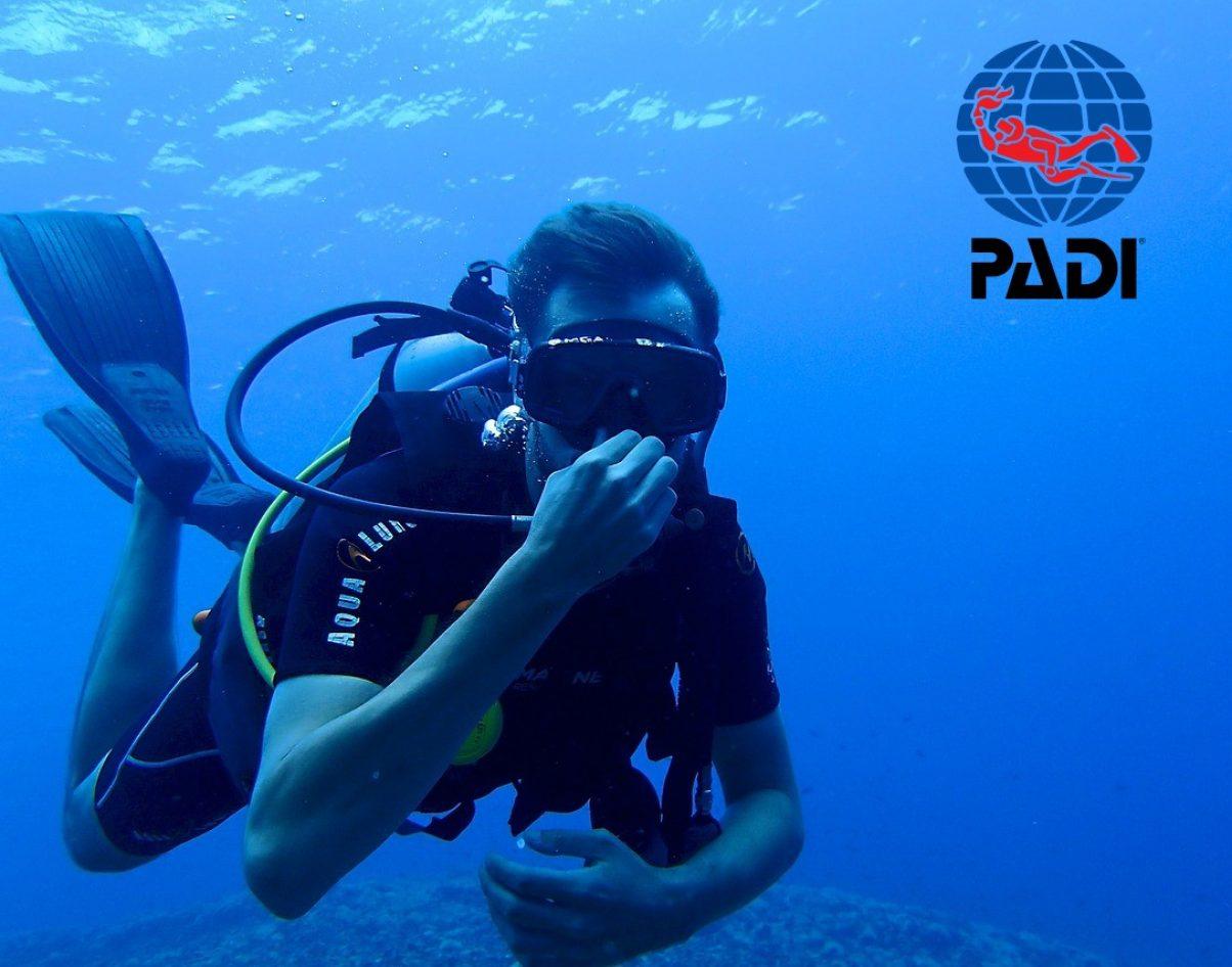 diving-1049477_1280