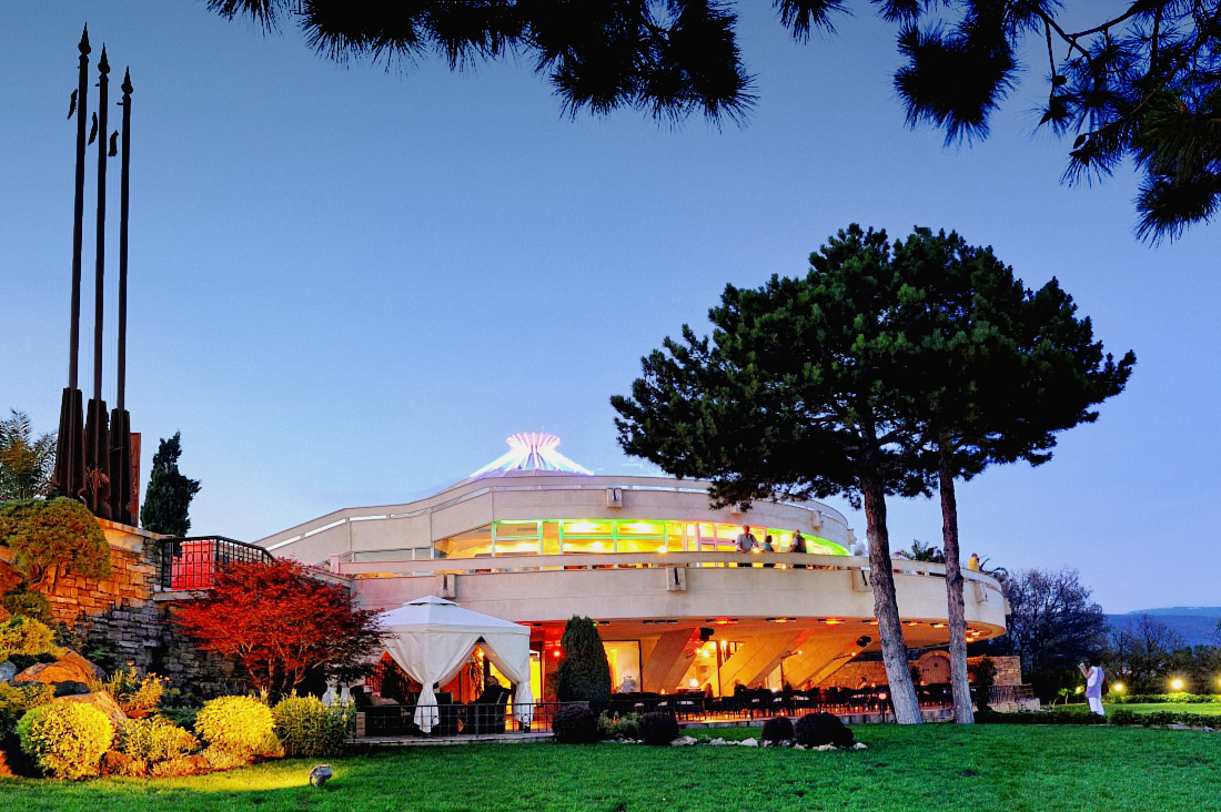 Best restaurant in Sunny Beach: Khan's Tent